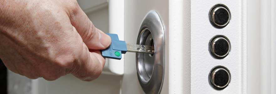 renforcer sécurité de sa porte d'entrée